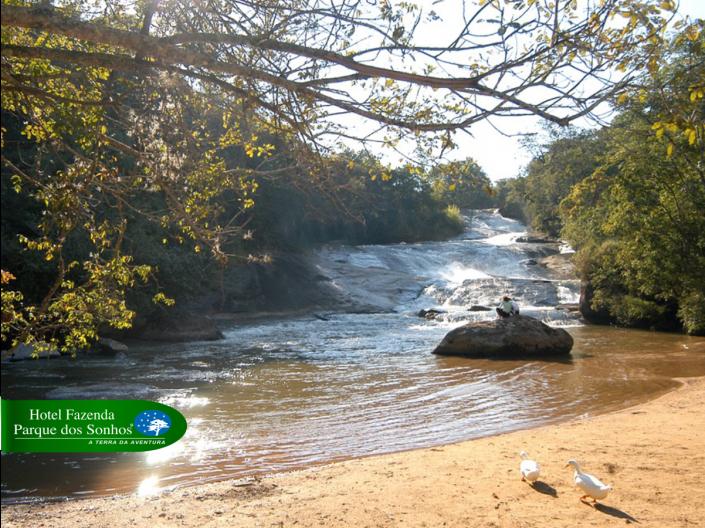 Cachoeira dos Sonhos, que fica logo na entrada do hotel fazenda parque dos sonhos